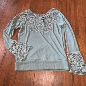 BKE Long-sleeve blouse